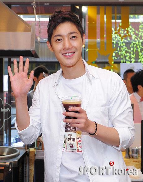 20110627hyunjoongbarist (4)