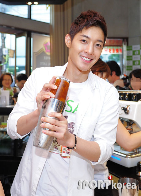 20110627hyunjoongbarist (5)
